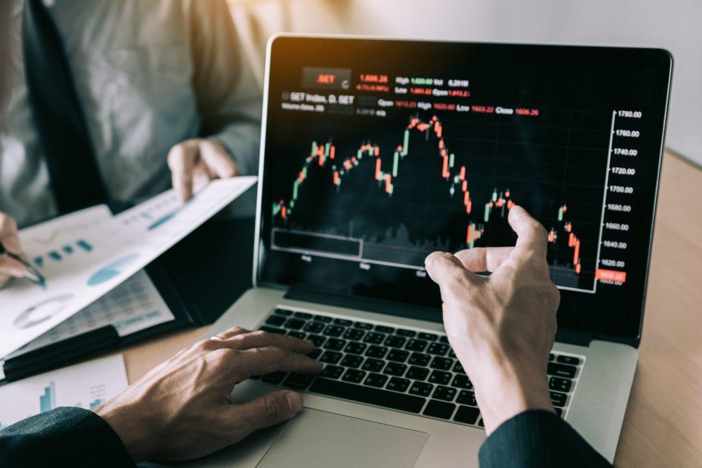 investice do akcií