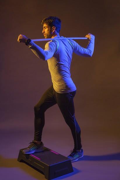 Cvičit se dá s jakoukoli tyčí.
