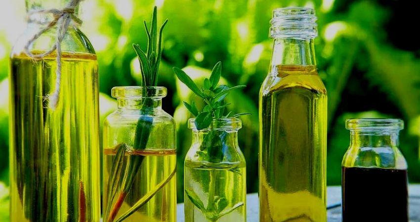 Přírodní oleje na vlasy