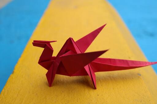 Origami červený drak
