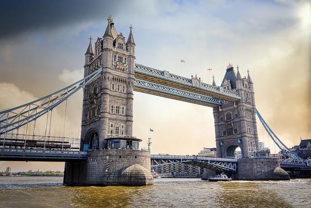 Tower Bridge jeden z nejkrásnějších mostů v Londýně