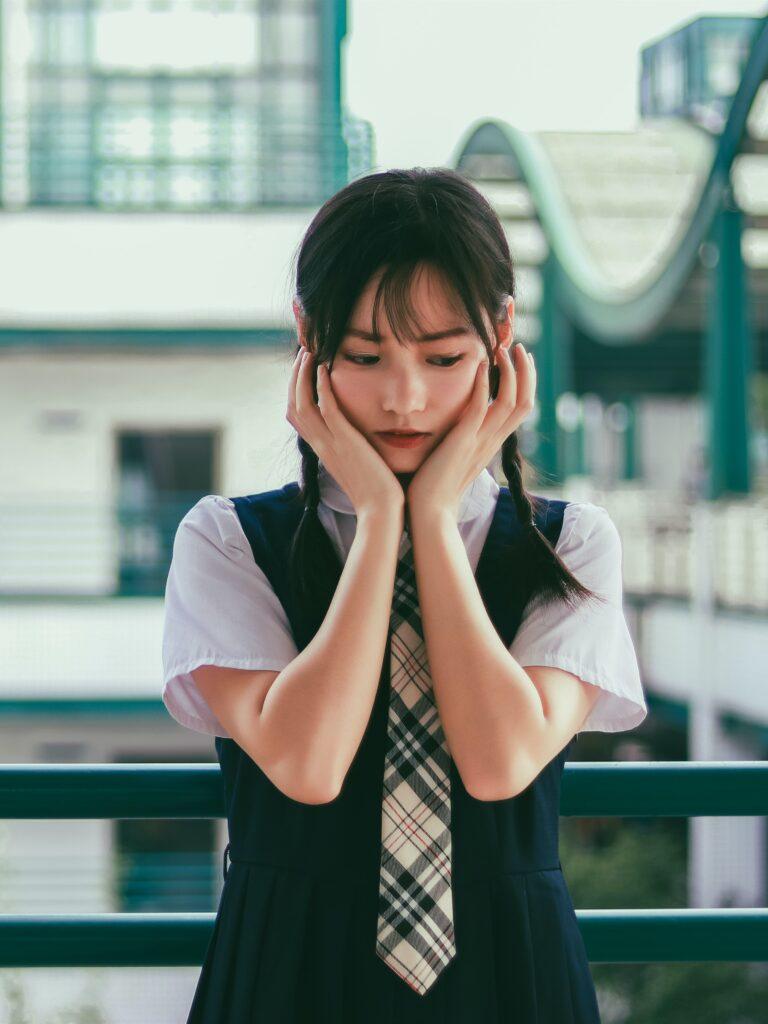 jak nebýt stydlivý a překonat stydlivost
