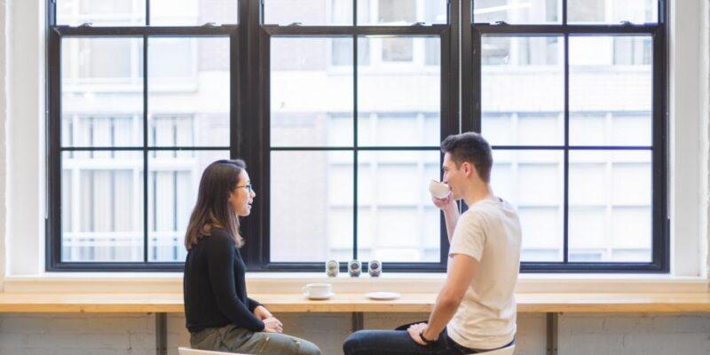 Jak začít přirozeně konverzaci